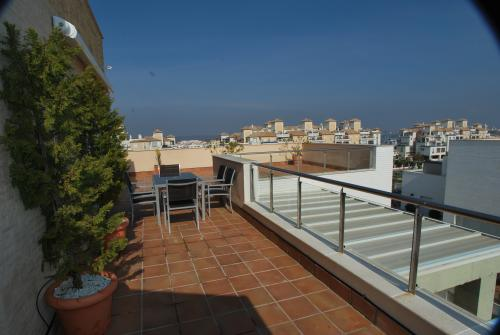 Apartamento Turístico, Ático 7 Poniente (3d+2b), Punta del Moral (HUELVA), Paseo de la Cruz nº22