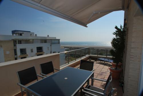 Apartamento Turístico, Ático 6 Poniente (3d+2b), Punta del Moral (HUELVA), Paseo de la Cruz nº22